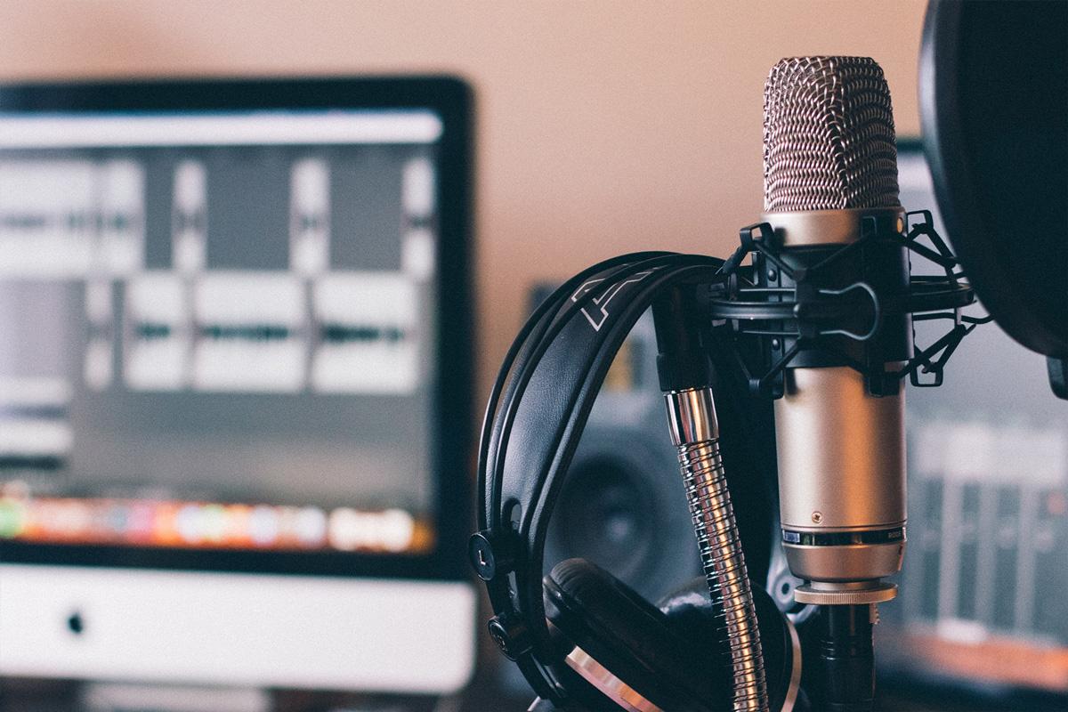 Jak nagrać interesujący podcast?